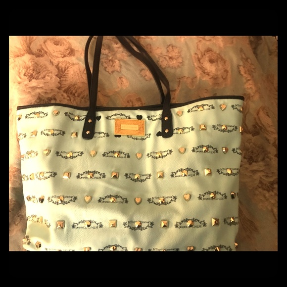 Betsey Johnson Handbags - Betsy Johnson mint green handbag